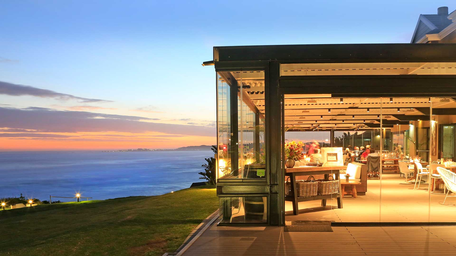 butterfly blu restaurant beachfront offers a great menu and wide selection of food at brento haven brenton on sea knysna pizza
